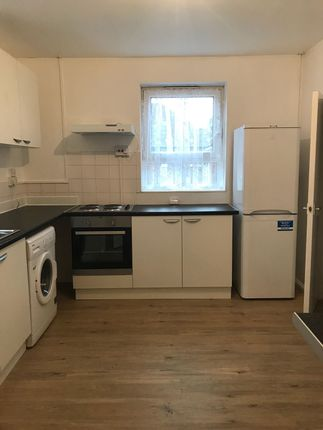 Thumbnail Flat to rent in Rogers Street, London