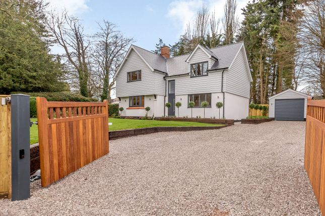 Thumbnail Detached house for sale in Winter Hill, Cookham, Berkshire