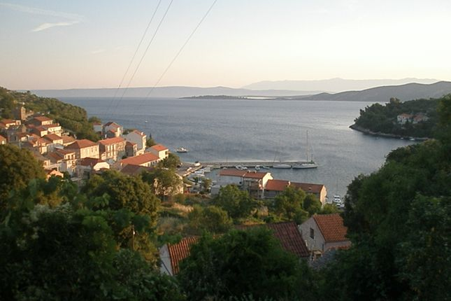 2 bed terraced house for sale in 6161, Racisce, Croatia