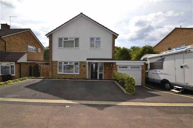 Thumbnail Detached house for sale in Foldcroft, Harlow, Essex