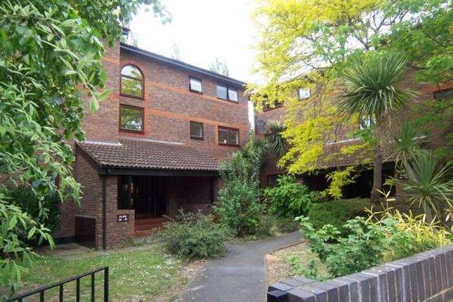 Thumbnail Flat to rent in Shipwright Road, London