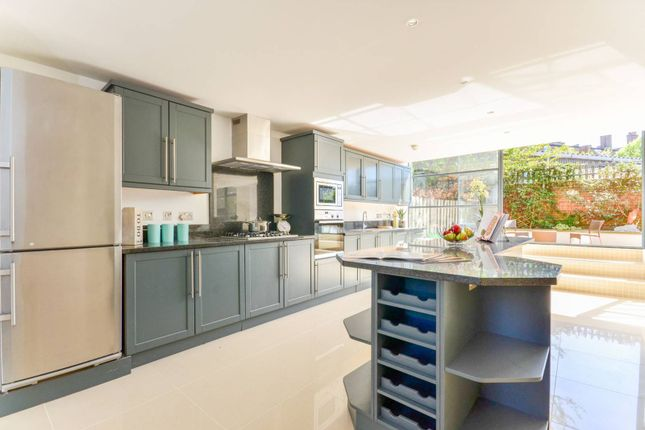 Thumbnail Flat to rent in Chiswick Green Studios, Chiswick