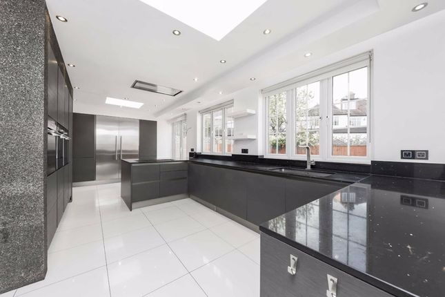 Thumbnail Detached house to rent in Park Avenue North, London