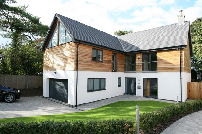 Thumbnail Property for sale in The Cedars, Irchester Road, Rushden