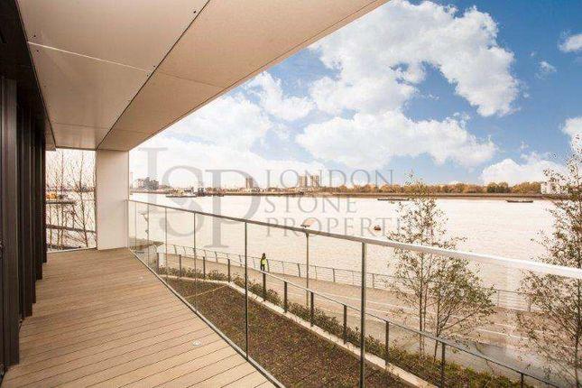 Thumbnail Flat to rent in Hampton Apartments, Duke Of Wellington Avenue, Royal Arsenal Riverside, Woolwich, London