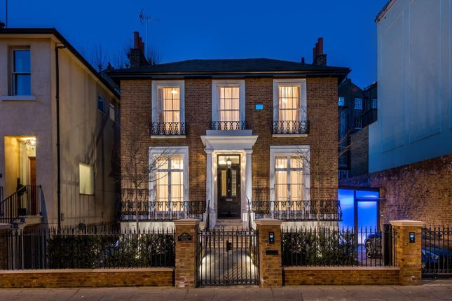 Thumbnail Property to rent in Garway Road, London