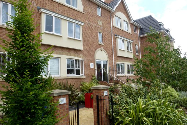 Thumbnail Flat to rent in Peel Close, Verwood
