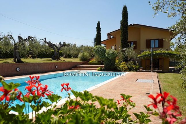 3 bed villa for sale in Castiglion Del Lago, Umbria, Italy
