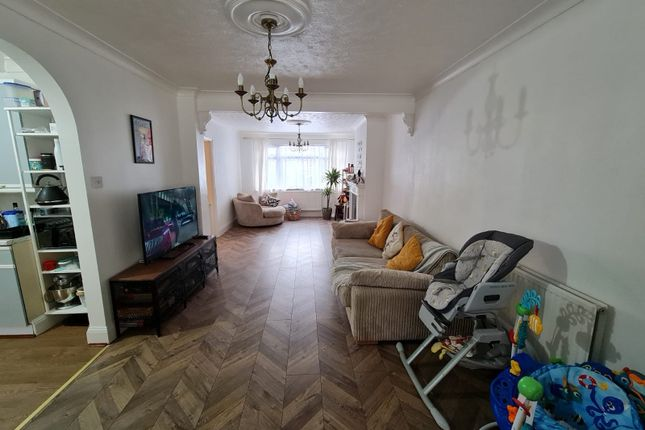 Thumbnail Terraced house to rent in St Andrews Avenue, Hornchurch
