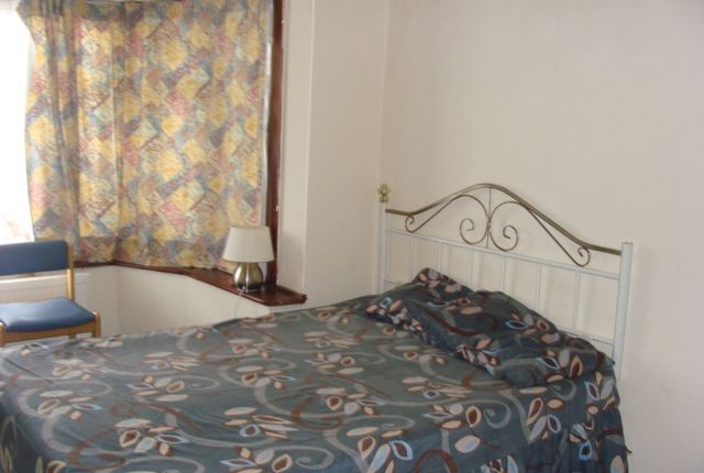 Thumbnail Room to rent in Council Tax, Bills & Wifi Included, Park Avenue /Southall
