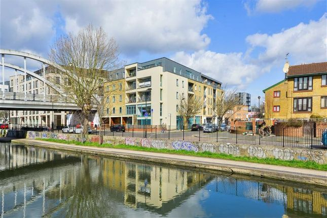 Thumbnail Flat to rent in Dunston Road, London