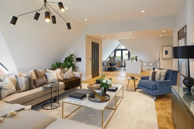 Thumbnail Flat for sale in Netherhall Gardens, Hampstead, London