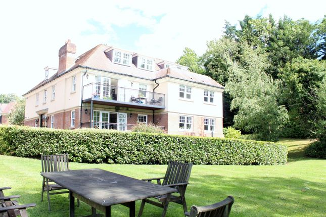 Thumbnail Flat for sale in Georges Wood Road, Brookmans Park, Hatfield