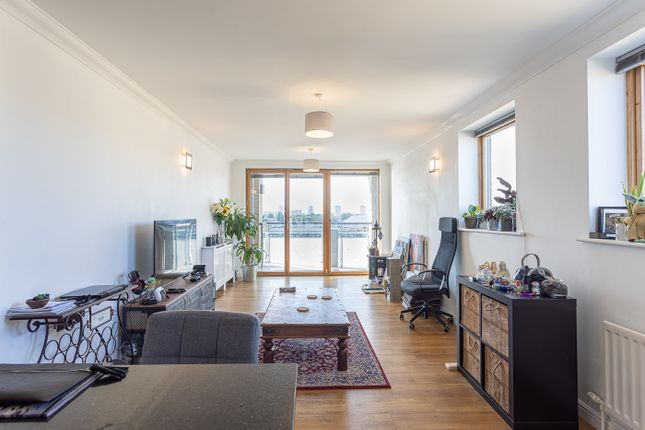 2 bed flat for sale in Maritime Quay, Isle Of Dogs E14
