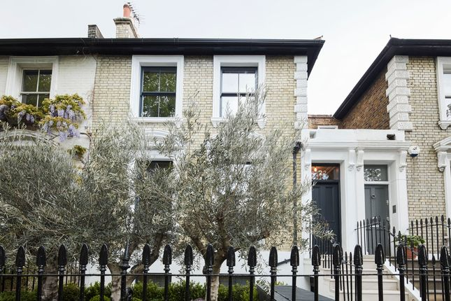 Thumbnail Property for sale in Walham Grove, London