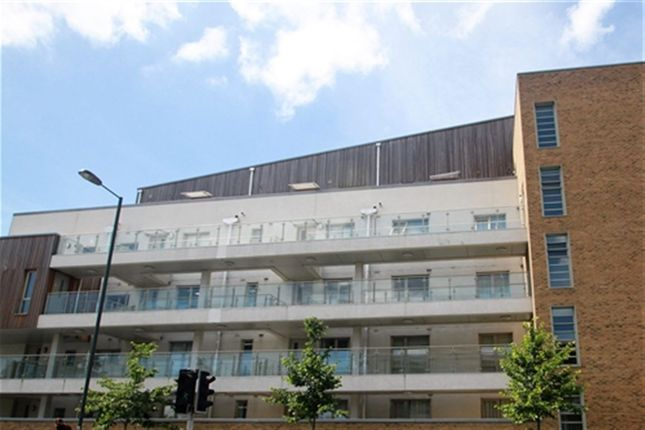 1 bed property to rent in Lea House, Kidwells Close, Maidenhead, Berkshire