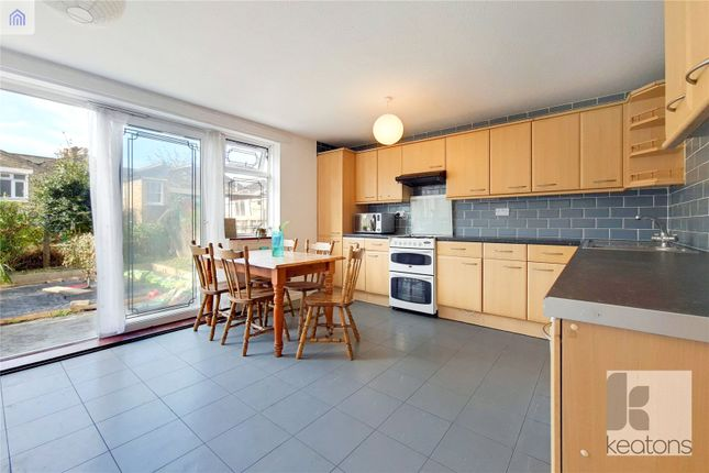 4 bed terraced house to rent in Bancroft Road, Stepney, London E1