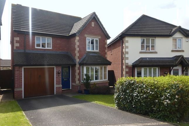 3 bed detached house for sale in Muchelney Way, Yeovil