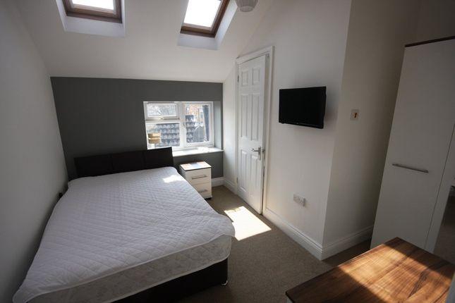 Thumbnail Room to rent in Castle Street, Salisbury