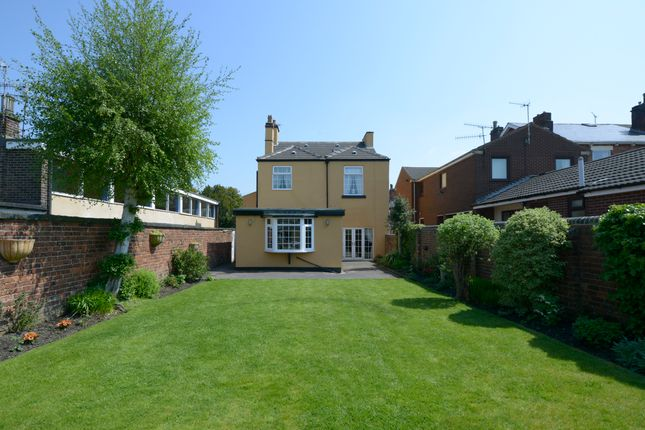 Thumbnail Detached house for sale in Queen Street, Chesterfield