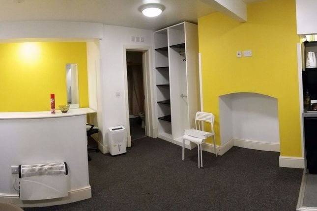 Studio to rent in Peterson Road, Wakefield WF1