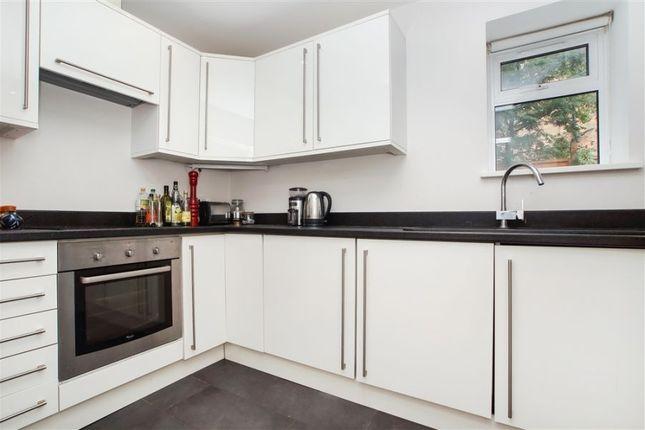 Thumbnail Flat to rent in Skardu Road, Cricklewood