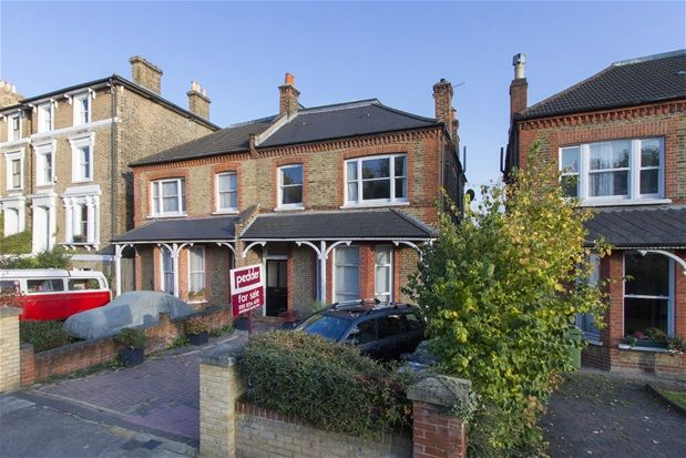 Thumbnail Flat to rent in Devonshire Road, London