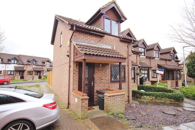 Thumbnail Detached house for sale in Sharpness Close, Yeading