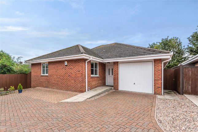 3 bed detached bungalow for sale in Francis Groves Close, Bedford MK41