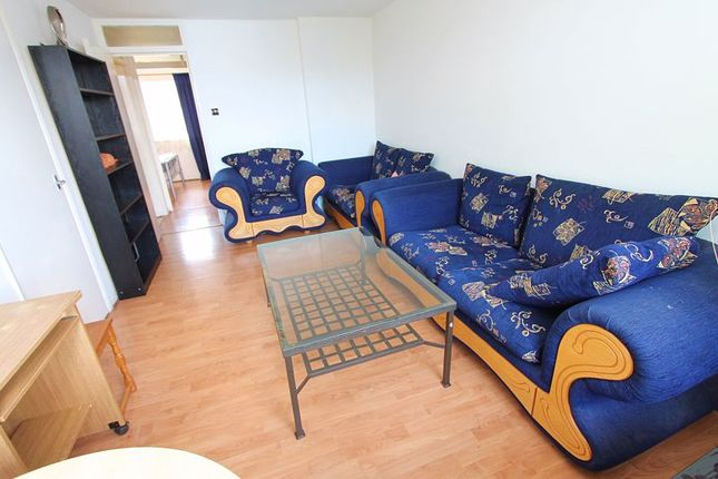 Thumbnail Flat to rent in Makepeace Road, Northolt