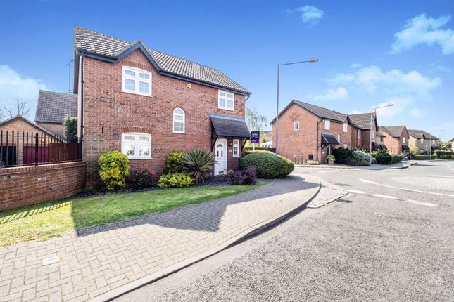 Thumbnail Detached house for sale in Sycamore Way, South Ockendon