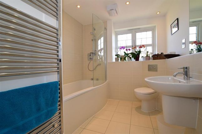 Bathroom of Hart Lane, Harvel, Meopham, Kent DA13