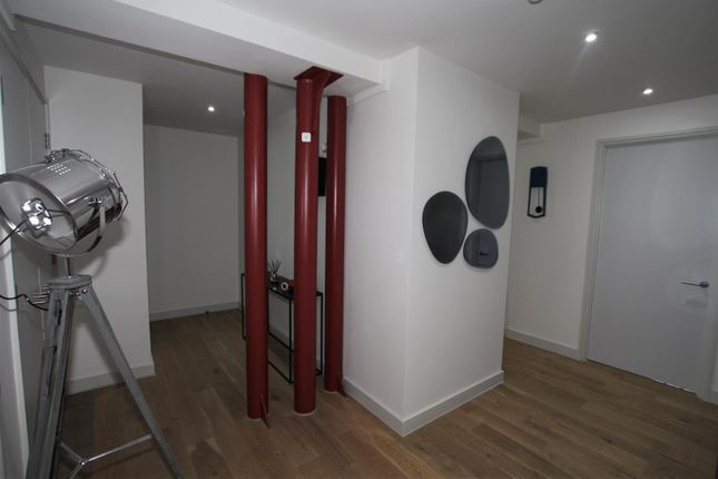 Hallway of Bengal Street, Manchester M4