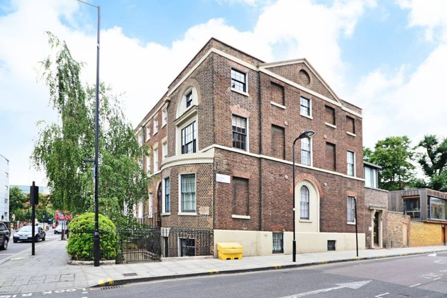 Thumbnail Maisonette for sale in Mare Street, Hackney