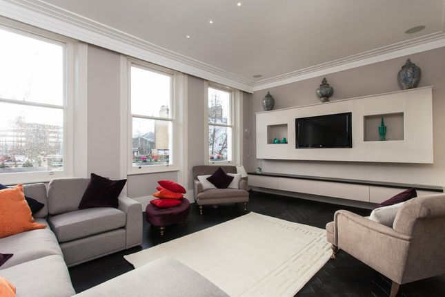 Flat to rent in Phillimore Gardens, London