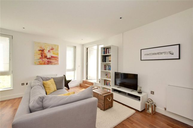 Lounge Area of Bellville House, 2 John Donne Way, Greenwich, London SE10