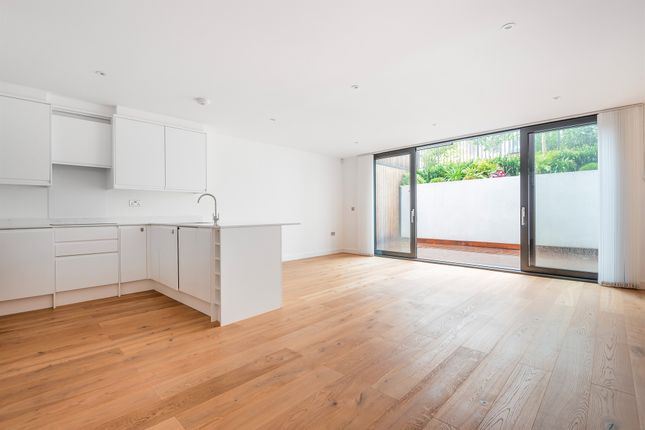 Thumbnail Flat for sale in Acton Lane, Chiswick, London