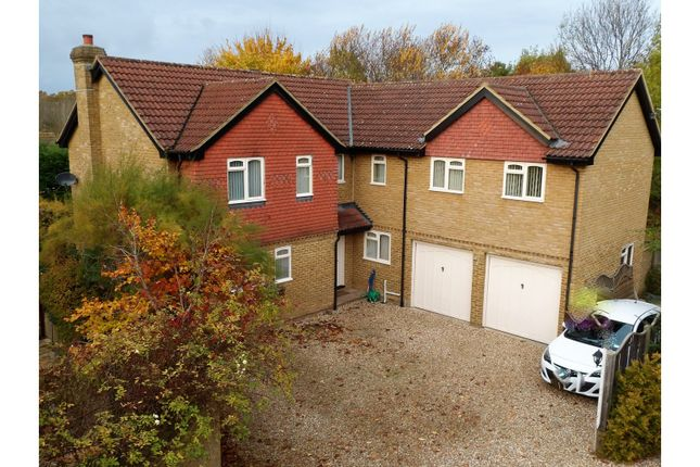 Thumbnail Detached house for sale in Wiltshire Grove, Bracknell