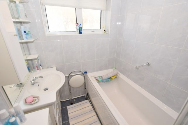 Bathroom Bungalow In East Wittering