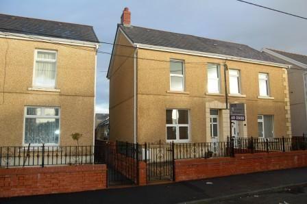 Thumbnail Flat to rent in Bishop Road, Ammanford