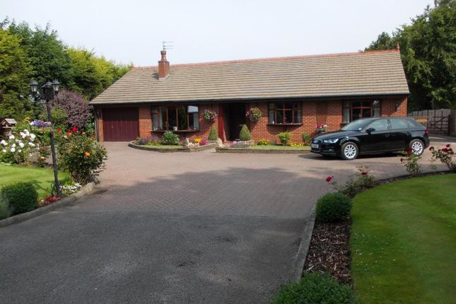Thumbnail Bungalow for sale in Bobbiners Lane, Banks, Southport