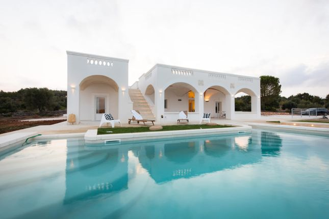 Thumbnail Villa for sale in Ostuni, Brindisi, Puglia, Italy