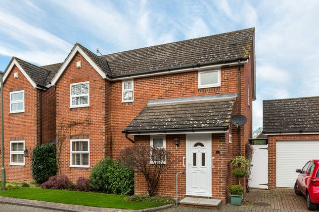 Thumbnail Detached house for sale in Vicarage Close, Lingfield