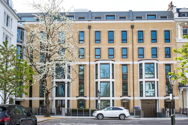 Thumbnail Flat for sale in Vicarage Gate House, Vicarage Gate, London