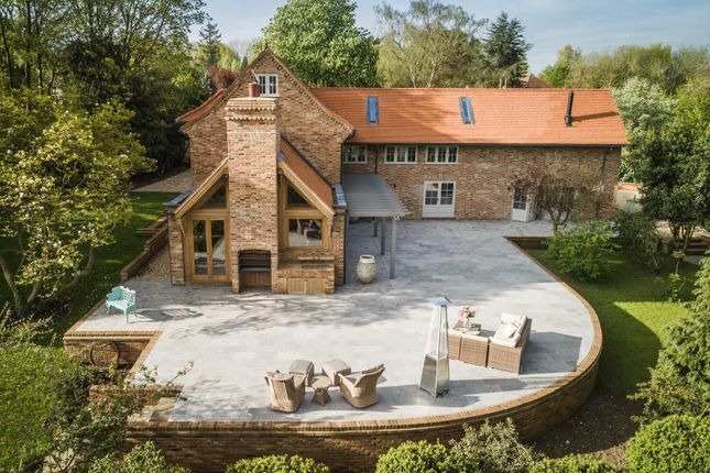 Thumbnail Detached house for sale in Hid's Copse Road, Cumnor Hill, Oxford