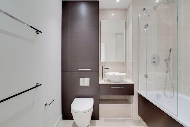 13_Bathroom_1 of Stratosphere Tower, Stratford E15