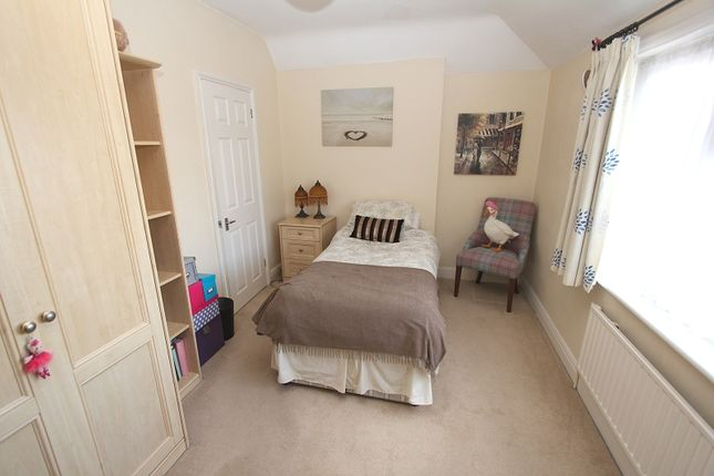 Bedroom 3 of Hillside Gardens, Edgware, Greater London. HA8