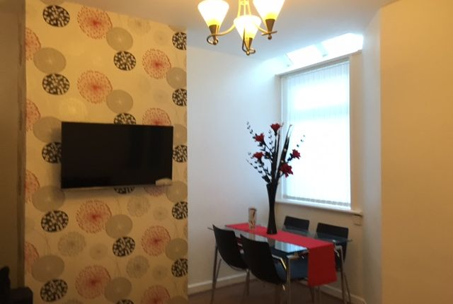 Thumbnail Room to rent in Mere Avenue, Salford