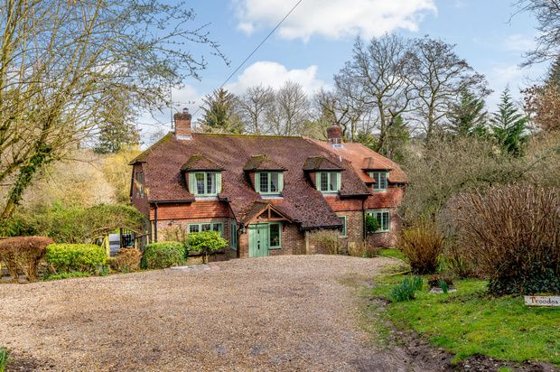 Thumbnail Detached house for sale in Hatch Lane, Haslemere