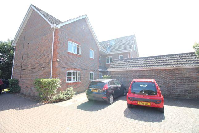 Thumbnail Flat to rent in Haydon Place, Farnborough, Hampshire